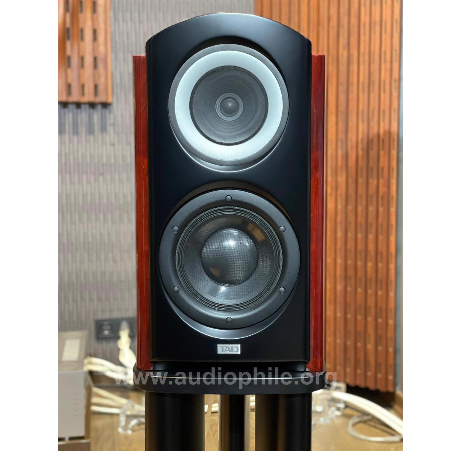 Tad compact reference one speakers