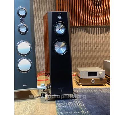 Zellaton stage loudspeakers