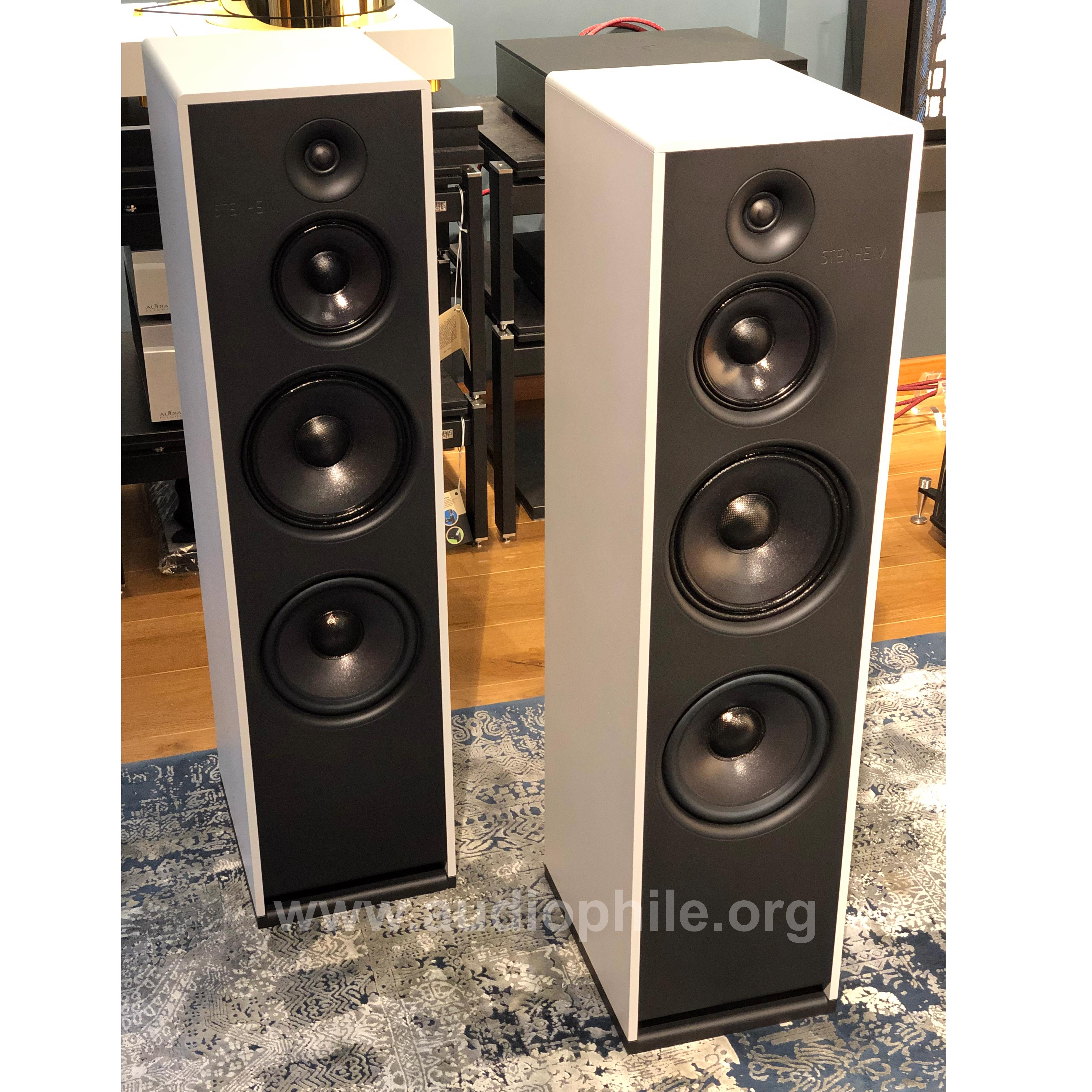 Stenheim Alumine Three Loudspeakers